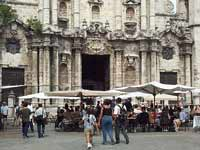 Craft market in front of Havana Cathedral